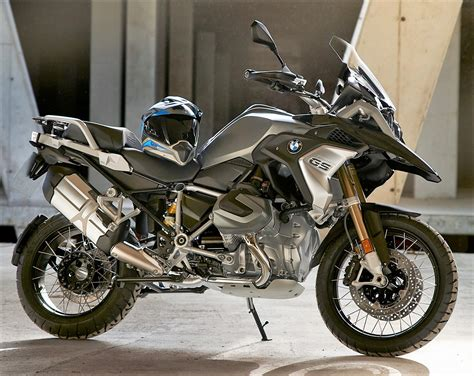 bmw r1250 gs 2019 bmw r1250gs unveiled gets new engine 6 5 inch tft
