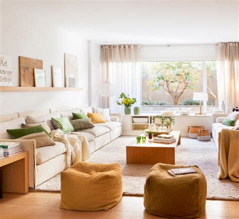 sofa verde para salon salones peque 241 os con muebles que aprovechan cada cent 237 metro