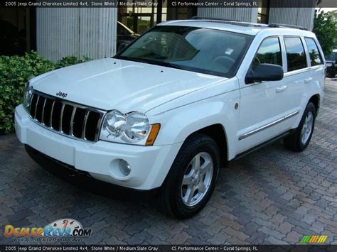 2005 grey jeep grand cherokee 2005 jeep grand cherokee limited 4x4 stone white medium