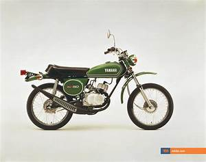 Moto Retro 125 : yamaha shows retro lightweight 125cc motorcycle that gets 220 mpg motorcycles catalog with ~ Maxctalentgroup.com Avis de Voitures