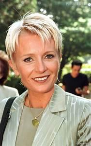 Coiffure Blonde Courte : coiffure courte blonde 50 ans ~ Melissatoandfro.com Idées de Décoration