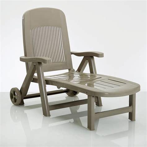 chaise exterieure chaise longue pliante résine contemporain transat et