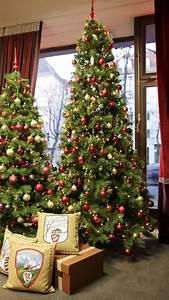 Raumausstatter Berlin Charlottenburg : schaufenster deko zum weihnachtsfest raumausstatter berlin adler wohndesign ~ Markanthonyermac.com Haus und Dekorationen
