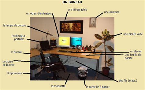 mettre un post it sur le bureau le vocabulaire du bureau apprendre le francais autrement