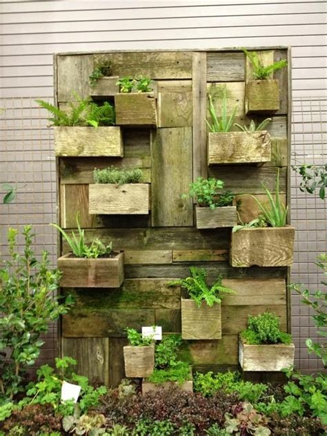 outdoor wall decor ideas  wood plants  lights