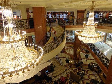 noel picture  metropole shopping monte carlo monte