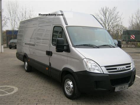 Iveco Daily 35 S 14 V, H2 3950 2008 Box-type Delivery Van