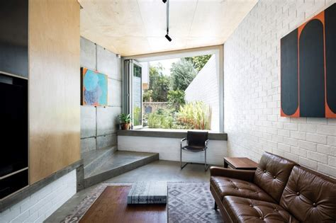 Triumph over obstacle: Silver Street House   ArchitectureAU