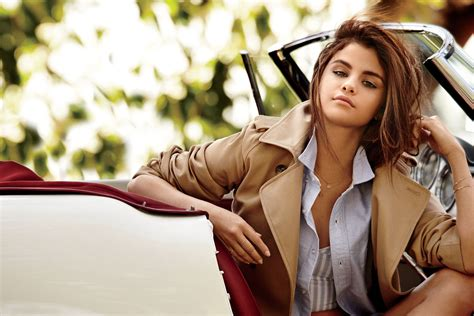 Things You Didnt Know About Selena Gomez Teen Vogue