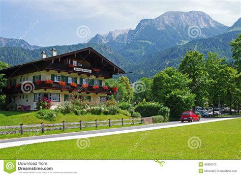 Bayerisches Haus Durch Konigssee Redaktionelles Stockfoto