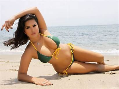 Sunny Leone Bikini Beach Wallpapers