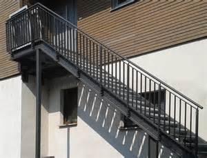 treppe stahl balkone aus stahl an einem altbau stahlbau