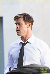 How Do Do A Resume Chris Hemsworth Begins Filming 39 Men In Black 4 39 First