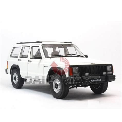 toy jeep cherokee 1 18 scale jeep cherokee 2500 white diecast toy car model