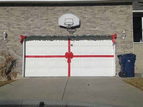 christmas decorations  garage door images
