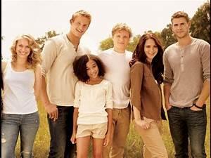 Hunger Games Movie Cast in Vanity Fair - YouTube