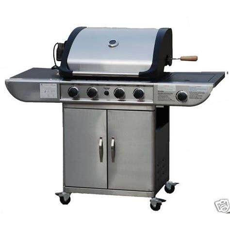 cuisiner avec barbecue a gaz barbecue royal à gaz inox avec plancha et grill pas cher