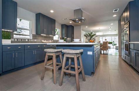 granite topped kitchen island 25 blue and white kitchens design ideas designing idea