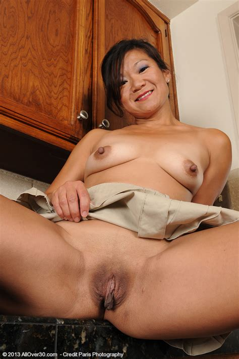 Samantha W Show Off Her Asian Beaver Milf Fox