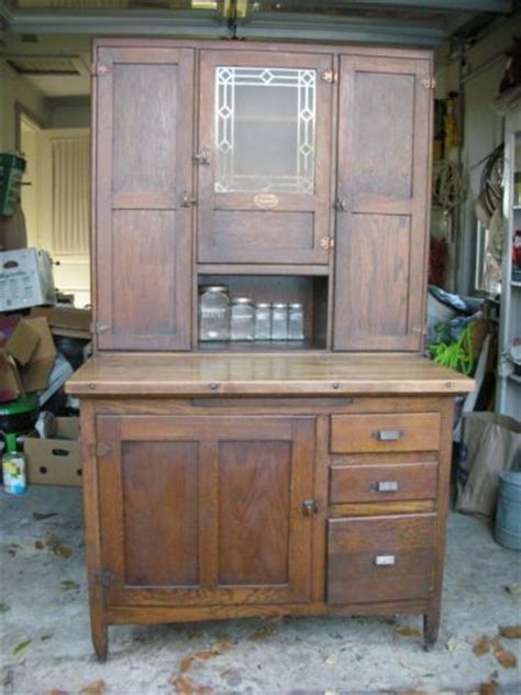 what is a 1920 hoosier cabinet the world s catalog of ideas