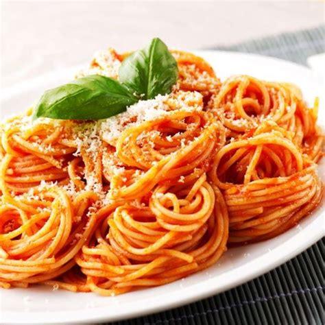 recette pate spaghetti frais faire sauce tomate maison ravioles la sauce tomate et aux herbes fraches raviolis maison