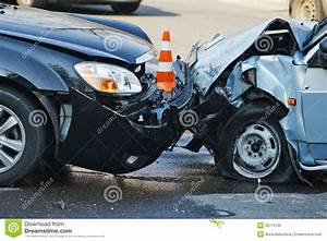 Accident De Voitures : accident de voiture photo stock image du ivre perte 30775166 ~ Medecine-chirurgie-esthetiques.com Avis de Voitures