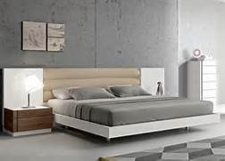 Lisbon Modern Platform Bed With Upholstered Headboard Modern Headboards Twin Bed On Bedroom Design Ideas With 4K Resolution Modern Classic Variegated Wood Headboard Platform Bed King Modern Beds Upholstered Bed Frame And Headboard Modern Beds New York By