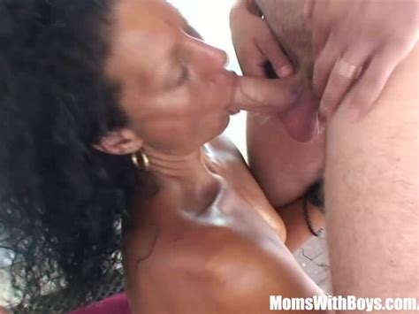 Mature Lady Picked Up And Fucked In An Abandoned Building