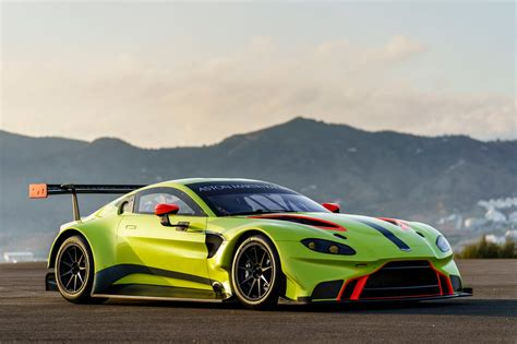 Aston Matin Car : Aston Martin Racing Debuts Vantage Gte Race Car