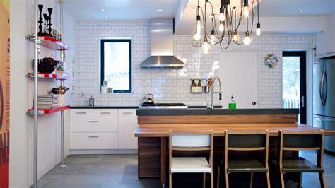 Small Kitchen & Bathroom