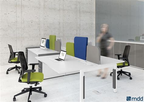 bureaux open space blanc orange