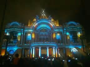 Palacio de Bellas Artes Vida de Peatón