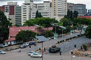 Zimbabwe coup latest updates: Robert Mugabe 'fate ...