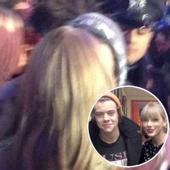 Taylor Swift And Harry Styles Ring In The New Year With Kiss