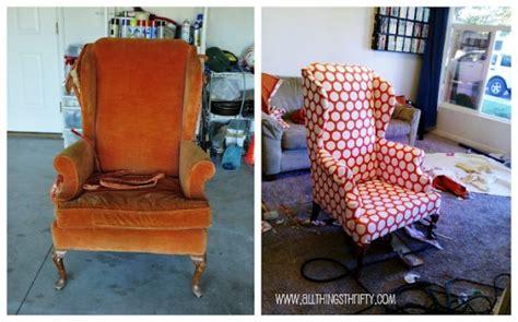 comment tapisser une chaise ancienne comment retapisser un fauteuil