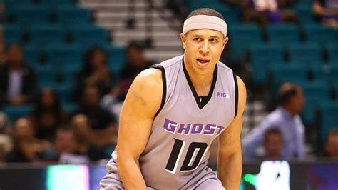 Former NBA guard Mike Bibby is suddenly gigantic, and ...