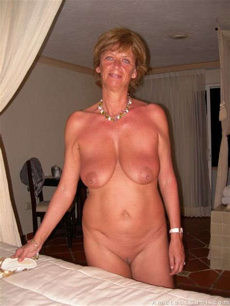naked busty granma amateur