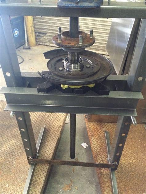 diy  tundra rear axle shaft  bearing hub removal page  tundratalknet toyota