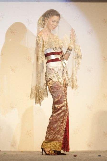 shes  fashion   kebaya indonesia national dress