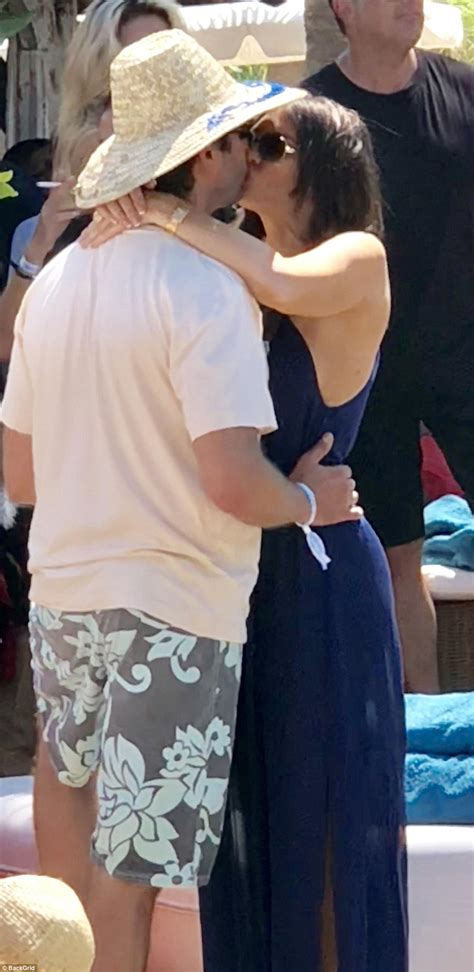 guilfoyle trump kimberly jr donald girlfriend beach tropez st scroll down nikki party couple
