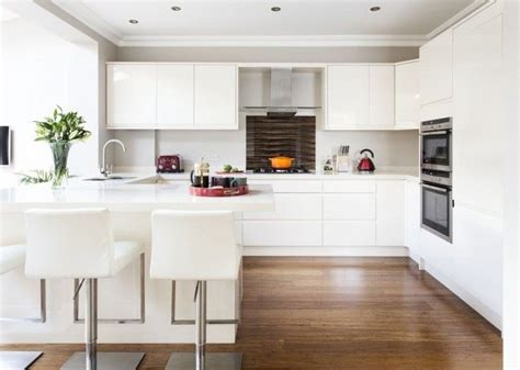 gloss kitchen makeover housebeautiful ideas for 583 6b1ea08cedc19fdfc50fbe1346c44942 cream kitchens modern kitchens