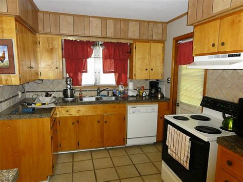 kitchens with pine cabinets best knotty pine kitchen cabinets tedx designs 6642