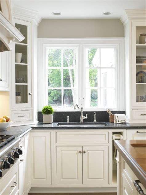pictures of kitchen cabinets 38 best vancouver house kitchen images on 4207