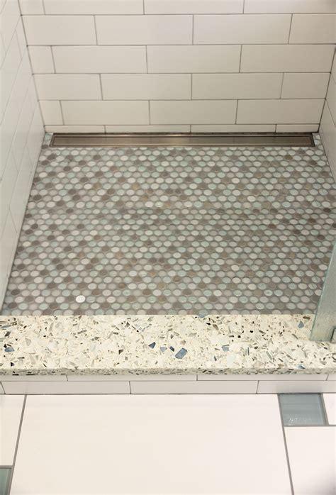 Mosaik Fliesen Dusche Boden by Shower Threshold In Vetrazzo Mosaic Tile Shower
