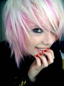 Pink Short Hair with Blonde Highlights