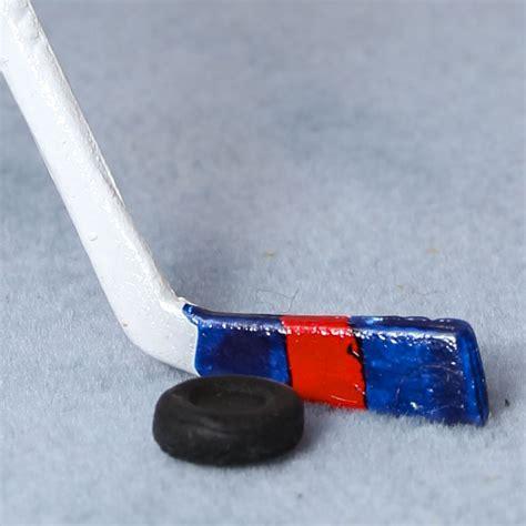 Dollhouse Miniature Hockey Stick And Puck Recreational