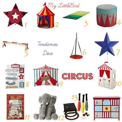 chambre bébé cocktail scandinave déco chambre theme cirque