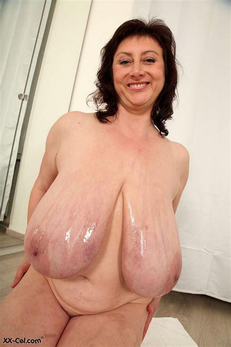 Mature Ivana Gita Plays With Her Tits And Pussy Boobgoddess