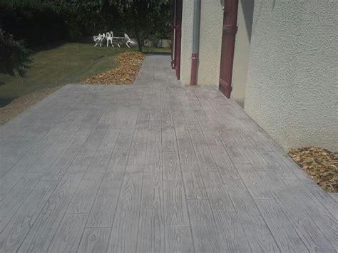 beton pour cour exterieure dalage et pavage cours et terrasses artemis paysage am 233 nagement espaces verts cr 233 ation d