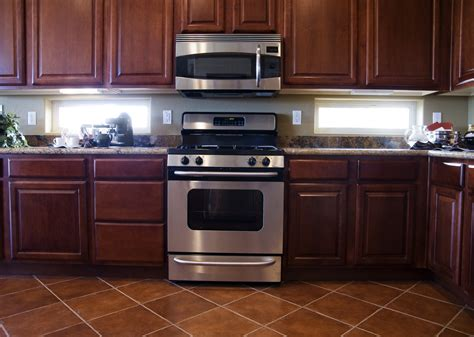 kitchen backsplash cherry cabinets kitchen backsplash ideas with cherry cabinets smith design kitchen backsplash ideas with